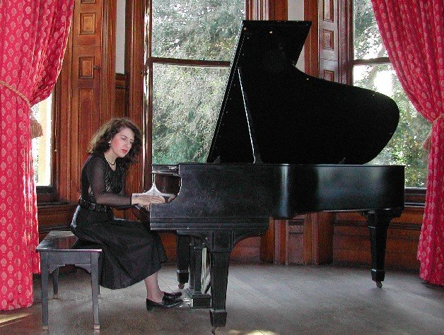 Aza Zeynalova - Piano Teacher